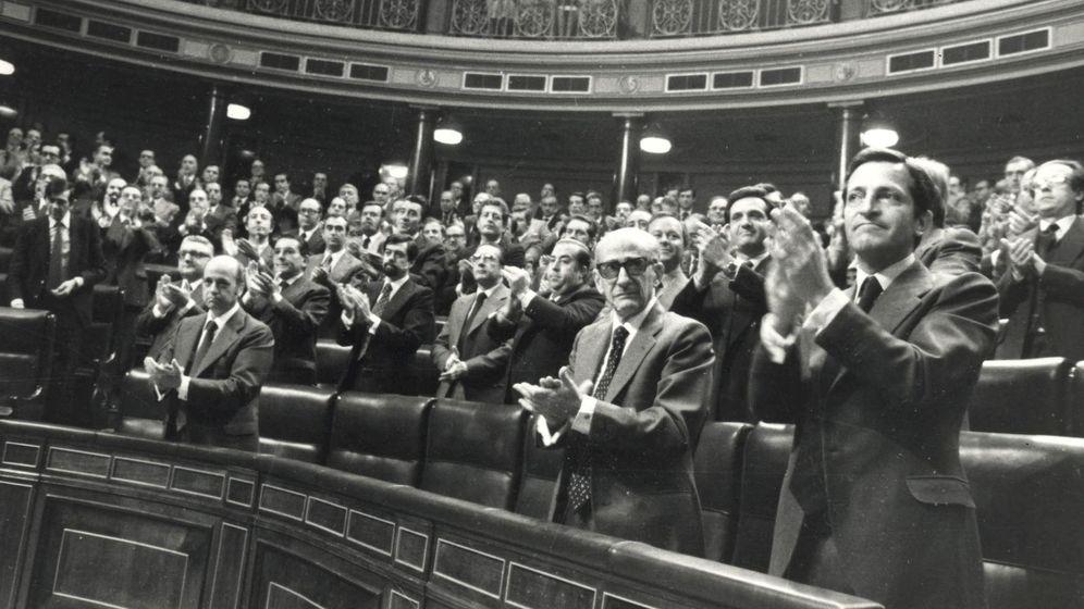 Foto: Adolfo Suárez con su gobierno