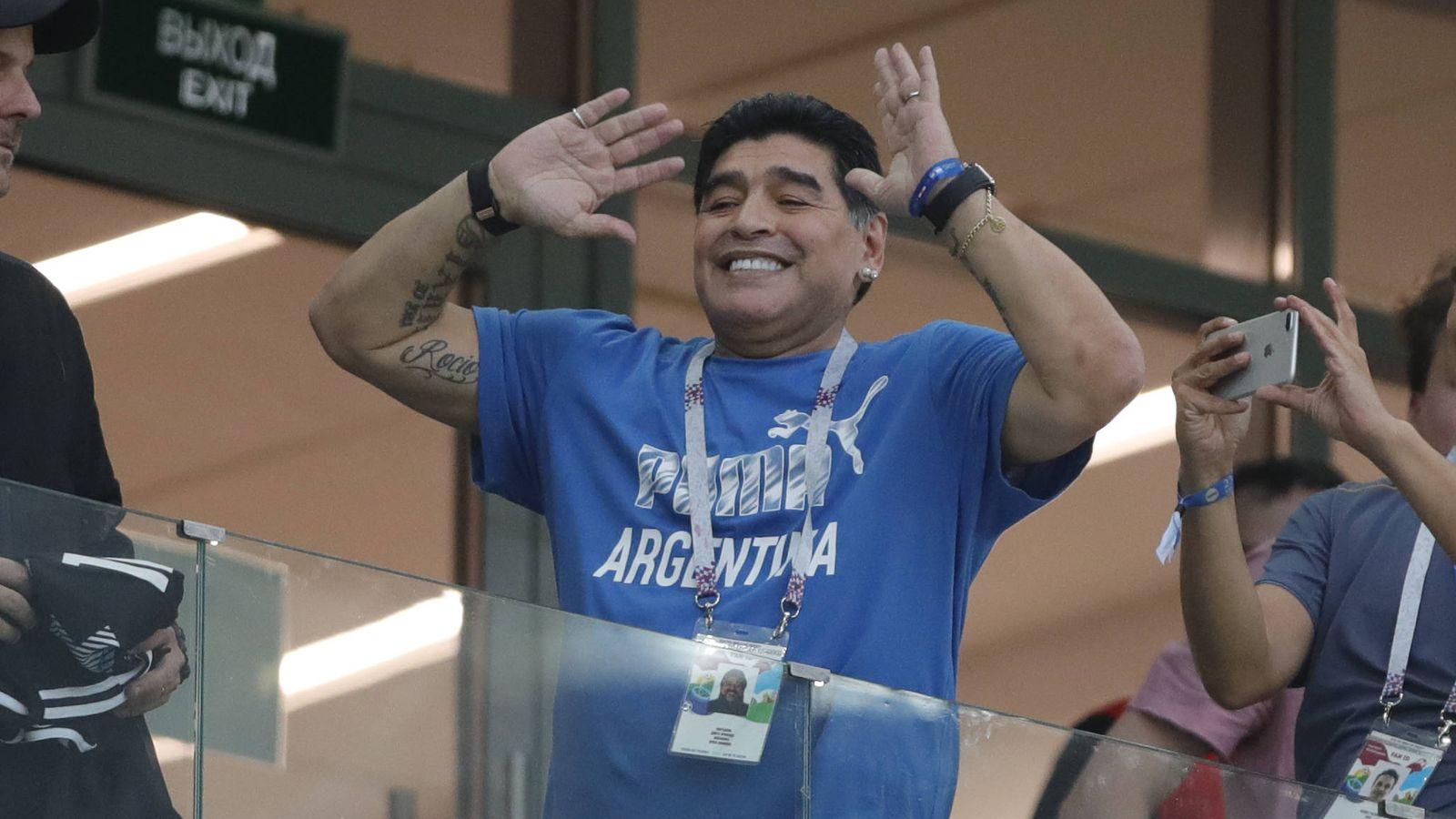 Foto: Maradona en una imagen del partido. (Gtres)