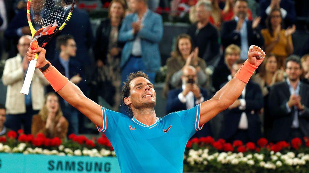 Foto: Rafa Nadal celebra su victoria en la Manolo Santana del Mutua Madrid Open. (EFE)