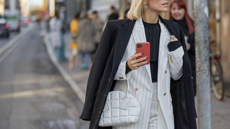 Foto: Los bolsos inundan el Street Style de la Semana de la Moda de Copenhague. (Imaxtree)