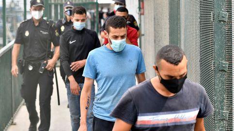 El caos institucional fuerza a la Policía a ocuparse de los inmigrantes en cuarentena