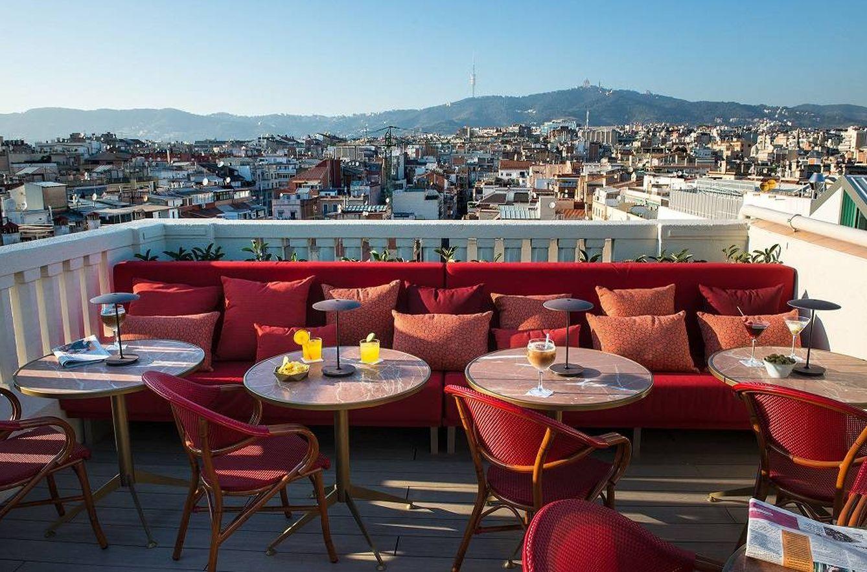 Foto: La impresionante terraza del Vincci Mae con vistas sobre Barcelona (Foto: Adolfo Gosálvez)