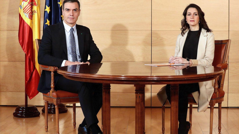 Pedro Sánchez e Inés Arrimadas, en una reunión en el Congreso. (EFE)