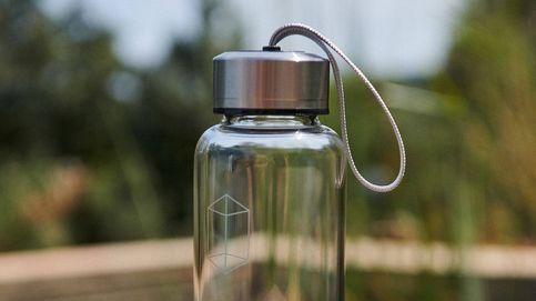 ¿Crees en los amuletos? Las botellas de agua con cuarzos de Oysho son para ti