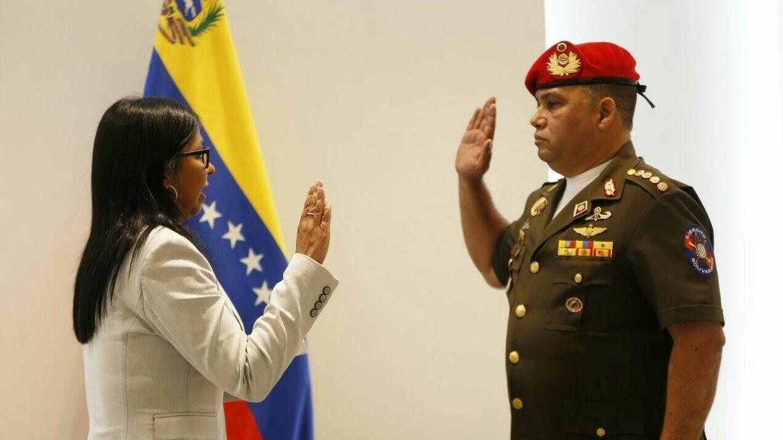 Foto: Gustavo González jura su cargo como consejero de Seguridad e Inteligencia de la Presidencia en enero de 2019. (EFE)