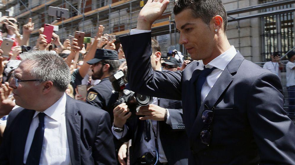 Foto: Cristiano Ronaldo, en la celebración del título de liga. (EFE)