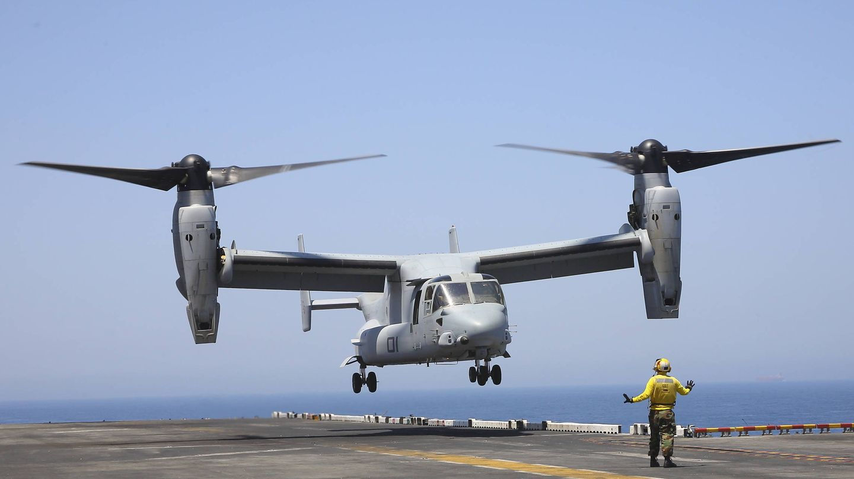 MV-22 Osprey a punto de tomar sobre la cubierta del USS Bataan (LHD 5). (Juanjo Fernández)