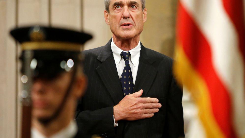 Foto: Robert Mueller durante una ceremonia de despedida tras retirarse del FBI en agosto de 2013. (Reuters)