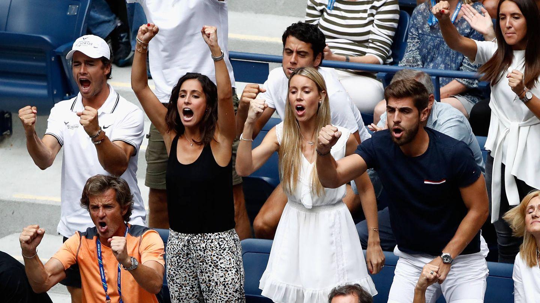 Xisca y Maribel animan desde la grada del US Open. (Getty)