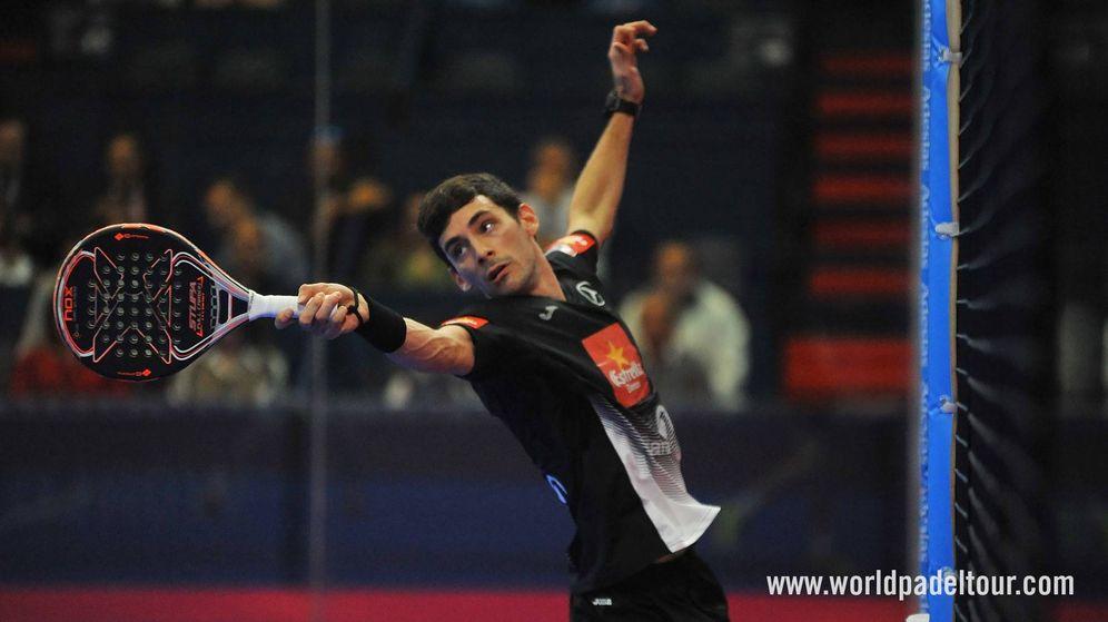 Foto: Franco Stupaczuk este viernes en los cuartos de final del Estrella Damm Alicante Open. (World Padel Tour)