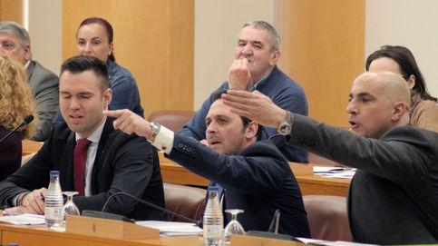 Sinvergüenza fascista. Suspenden el pleno de Ceuta tras una trifulca de Vox y el PP