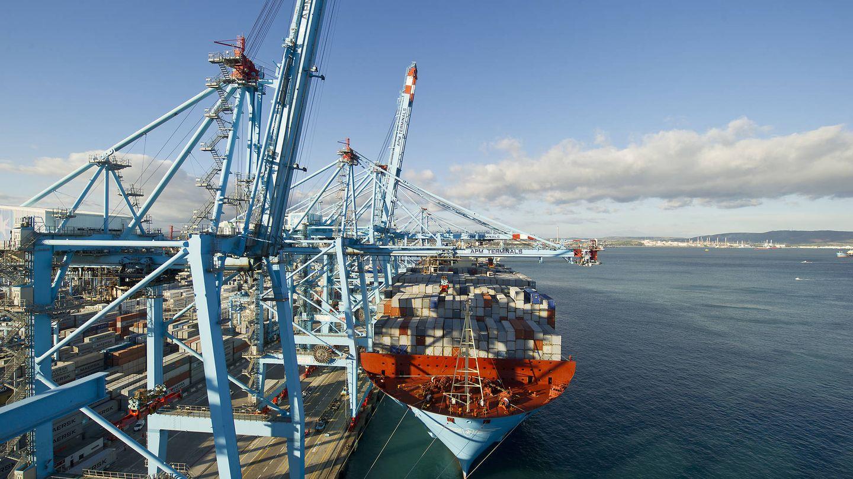 Portacontenedores en el puerto de Algeciras. (Foto: Autoridad Portuaria Bahía de Algeciras)