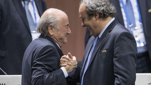 Blatter asegura que Platini le intimidó con que iría a cárcel si no dejaba FIFA