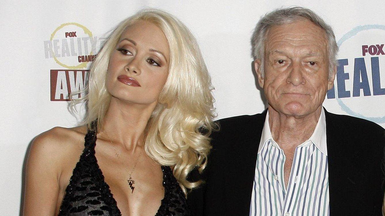 Foto: Holly Madison junto al magnate de Playboy, Hugh Hefner (Gtres)
