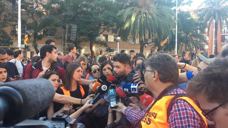 Gabriel Rufián durante la manifestación. (Marcos García Rey)