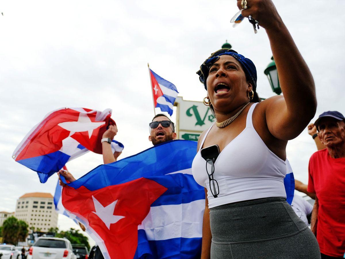 Foto: Marcha en solidaridad con los manifestantes cubanos en Little Havana, cerca de Miami, Florida. (Reuters)