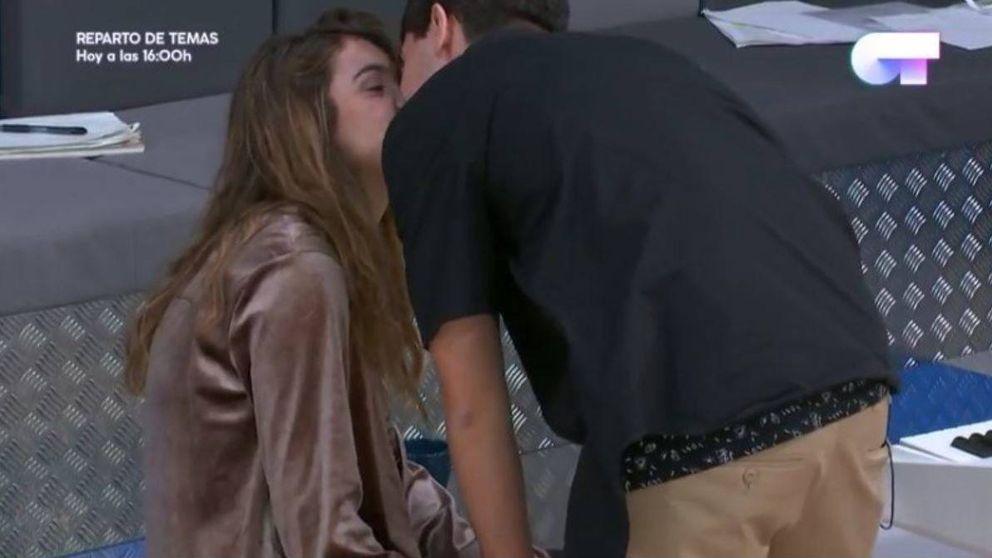 'OT 2017' | Alfred y Amaia ya no se esconden: así ha sido su primer beso
