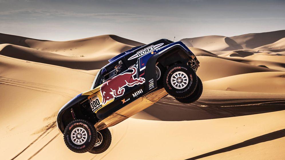 Foto: Carlos Sainz reconoce que las dunas le estresan. Este año serán el 70 % del recorrido. (Foto: X-raid Team)