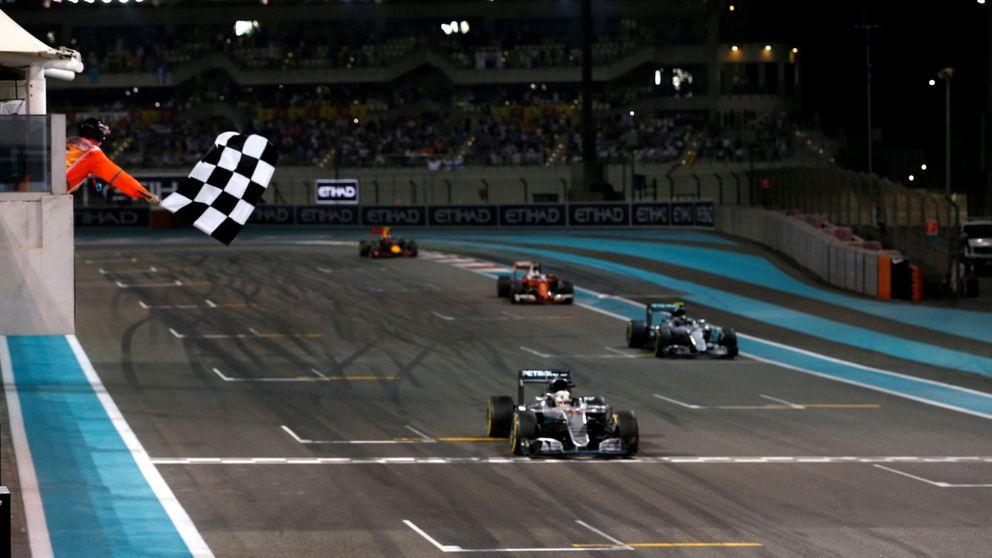 Los nuevos F1: Cuando dos personas empujan tu cabeza hacia afuera