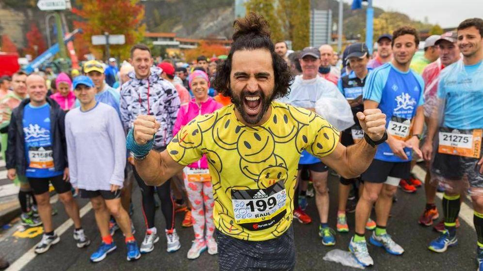 Foto: Raúl Gómez -o 'Maratón Man'- comienza la carrera de 'El Running Show'.