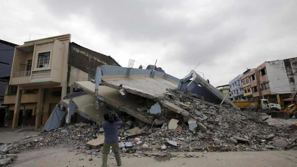 Un terremoto de 7,8 grados en Ecuador deja al menos 480 muertos