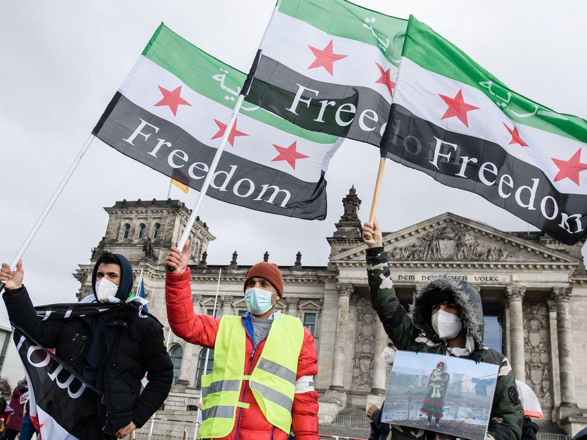 Foto: Siria cumple una década de conflicto con 400.000 muertos y un frente abierto. (EFE)
