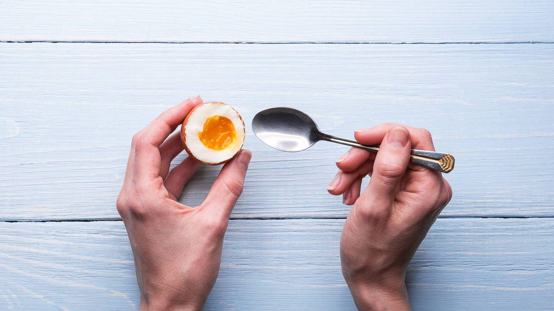 Hay decenas de formas de cocinar los huevos en el desayuno (iStock)