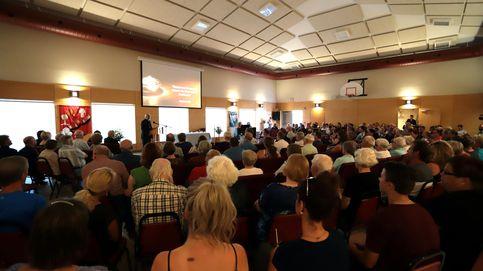 Los fieles evangelistas ignoran las normas en las Tres Mil Viviendas