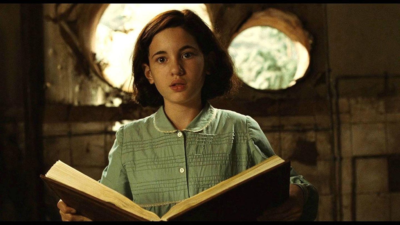 Ivana Baquero, en 'El laberinto del fauno', de Guillermo del Toro. (Warner)