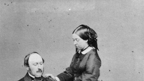 Sale a subasta un conjunto inédito de las famosas joyas de luto de la reina Victoria