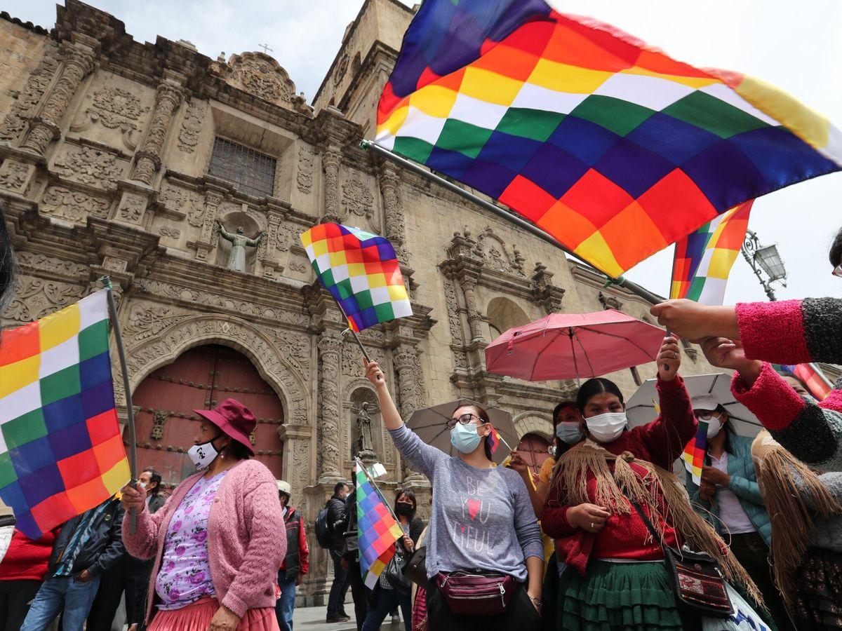 Foto: Simpatizantes del oficialista Movimiento al Socialismo (MAS) en La Paz (Bolivia). (EFE)