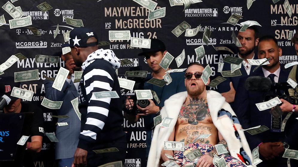 Foto: Mayweather y McGregor competirán el 26 de agosto en el T-Mobile. (Reuters)