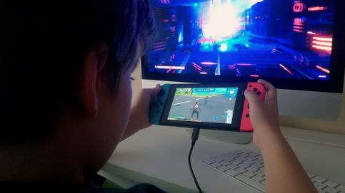 Quitan la custodia a un padre por dejar que su hijo jugara mucho al Fortnite