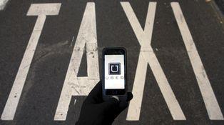 Sin competencia, el taxi sablea a sus usuarios