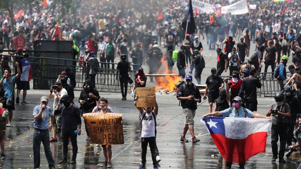 Foto: Los chilenos salen a la calle de nuevo para protestar contra el modelo económico. (Reuters)