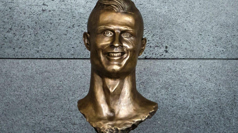 Busto original de Cristiano Ronaldo en el aeropuerto de Madeira (EFE/Gregorio Cunha)