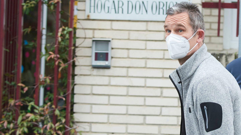 Iñaki Urdangarin, saliendo del centro Don Orione. (Limited Pictures)
