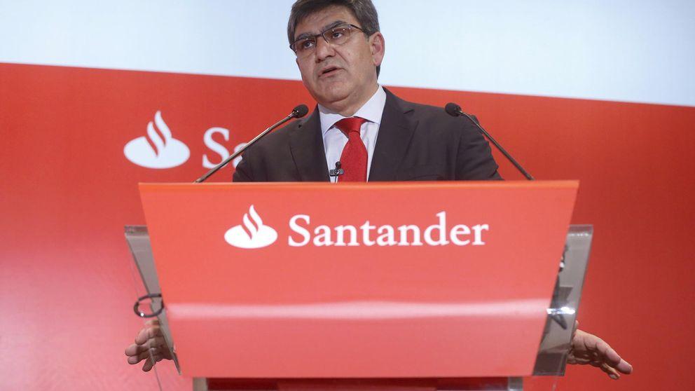 Santander insiste en cobrar 2 euros y proclama la victoria de quien tiene los cajeros