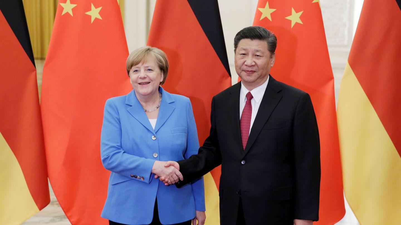 Angela Merkel y Xi Jinping, en una cumbre hace unos años. (Reuters)