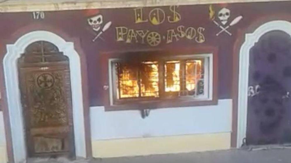 Foto: El centro de malabares de los 'okupas' del Cabañal de Valencia, en llamas.