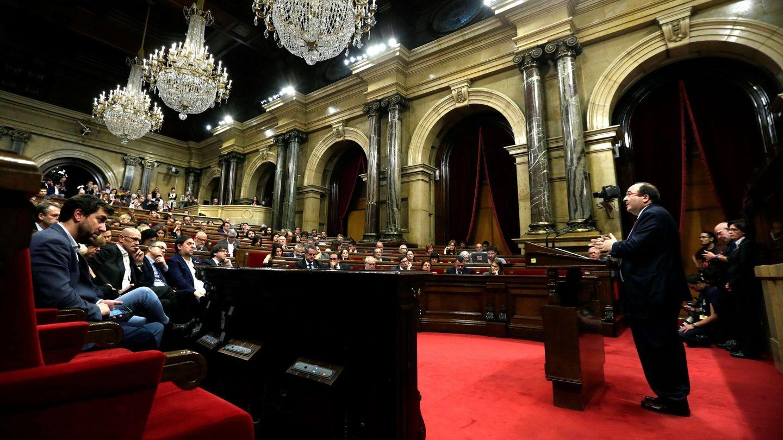 El líder del PSC, Miquel Iceta, durante su intervención en el pleno. (EFE)