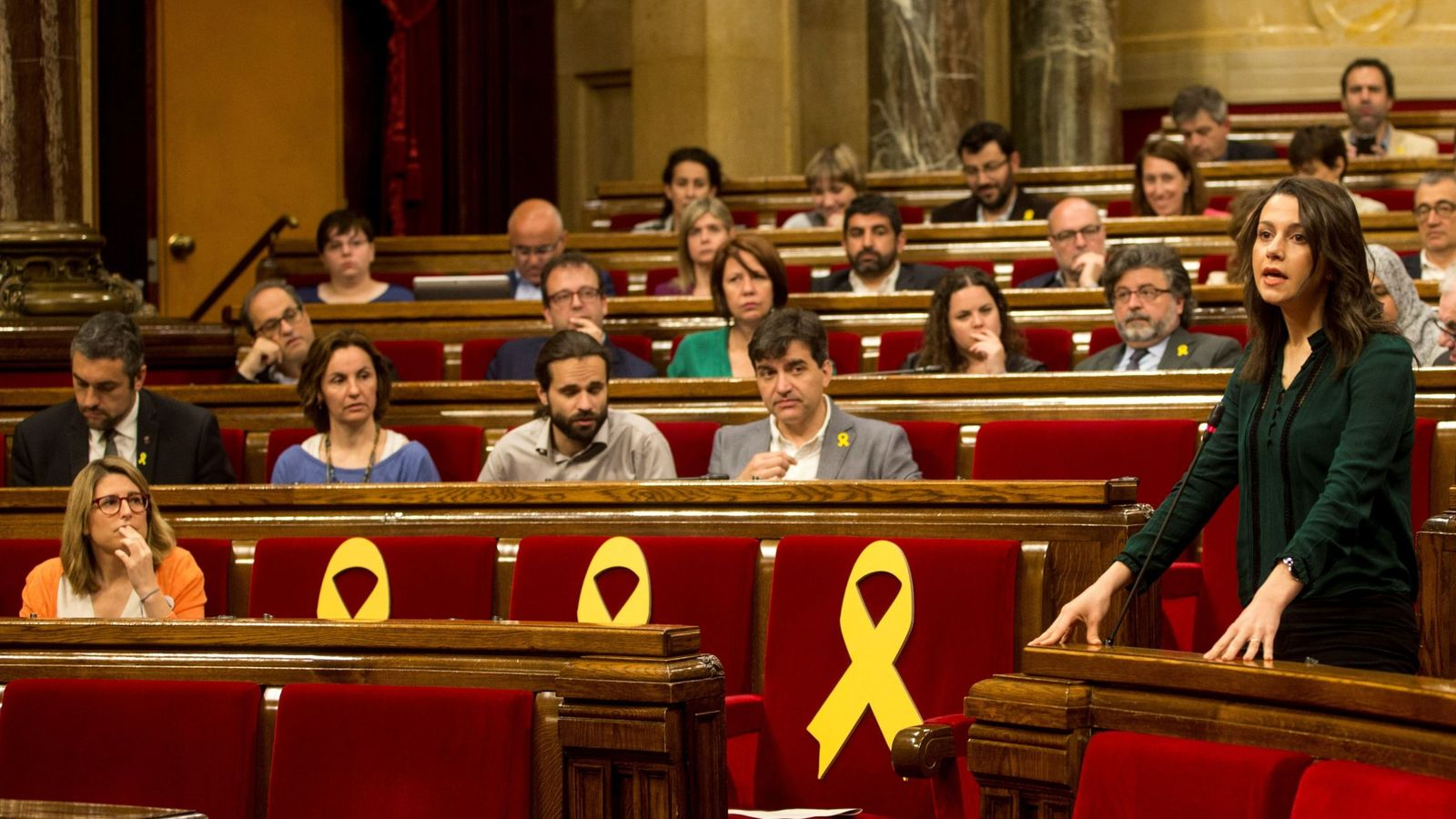 Foto: La líder de Ciudadanos, Inés Arrimadas, interviene en el pleno del Parlament. (EFE)