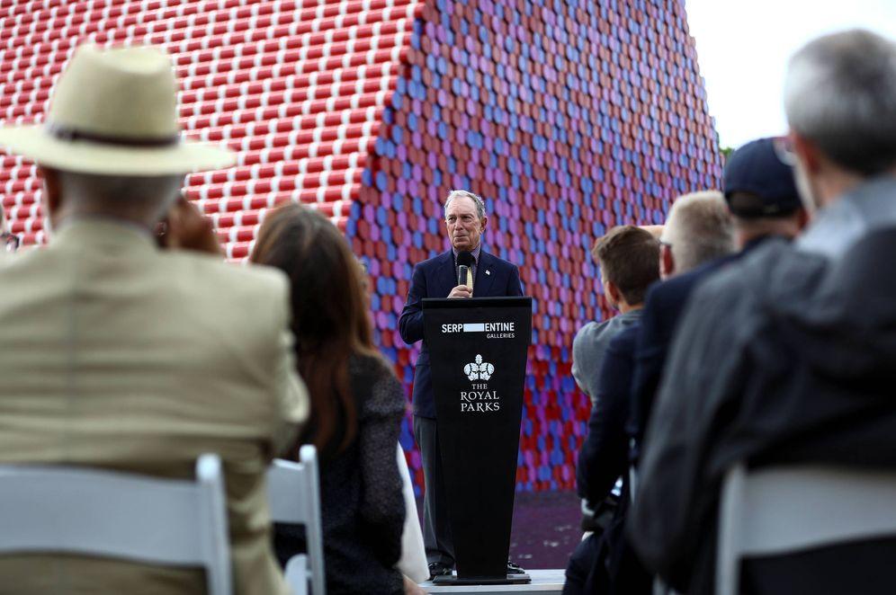 Foto: El millonario Michael Bloomberg habla ante la London Mastaba, en Hyde Park, Londres. (Reuters)