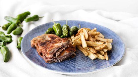 La mejor receta del plato de moda: el cachopo asturiano con patatas y pimientos