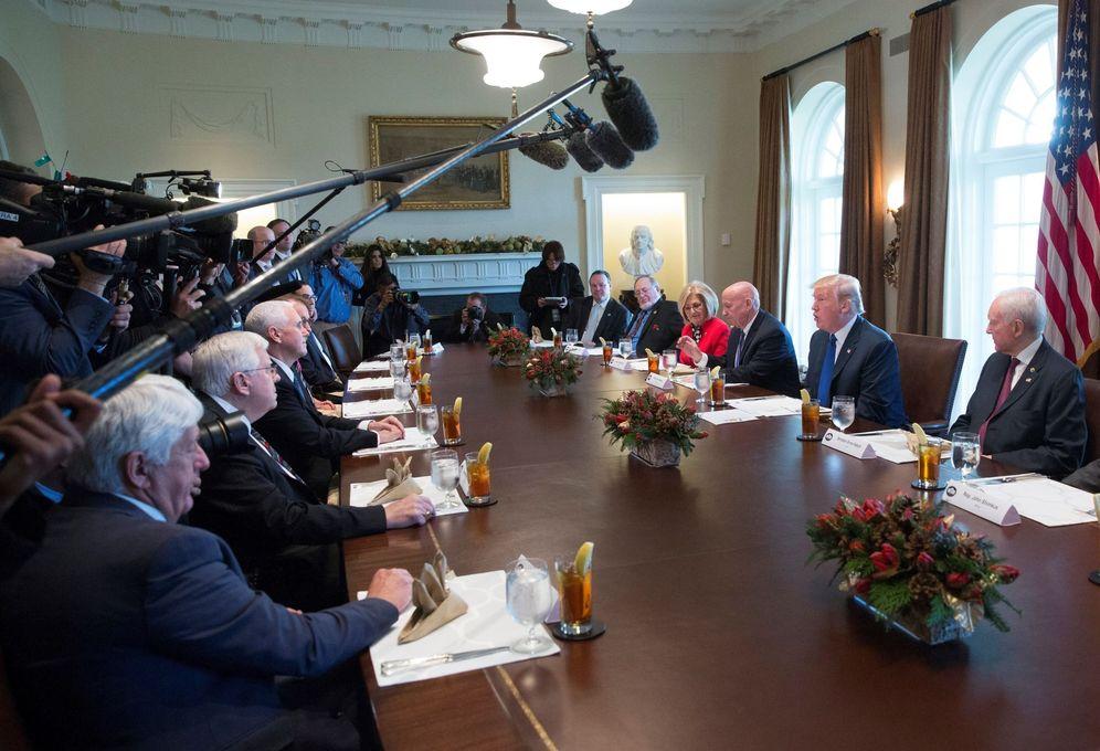 Foto: El presidente Donald Trump participa en una reunión sobre la reforma fiscal impulsada por su Administración, en la Casa Blanca. (EFE)
