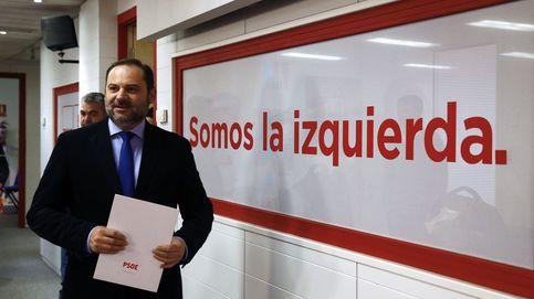 El PSOE se suma al carro del PP e insta a Cs a que tome la iniciativa en Cataluña