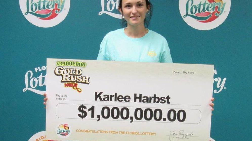 Foto: La felicidad de Karlee Harbst no podía ser mayor el día que ganó un millón a la lotería (Foto: Florida Lottery)