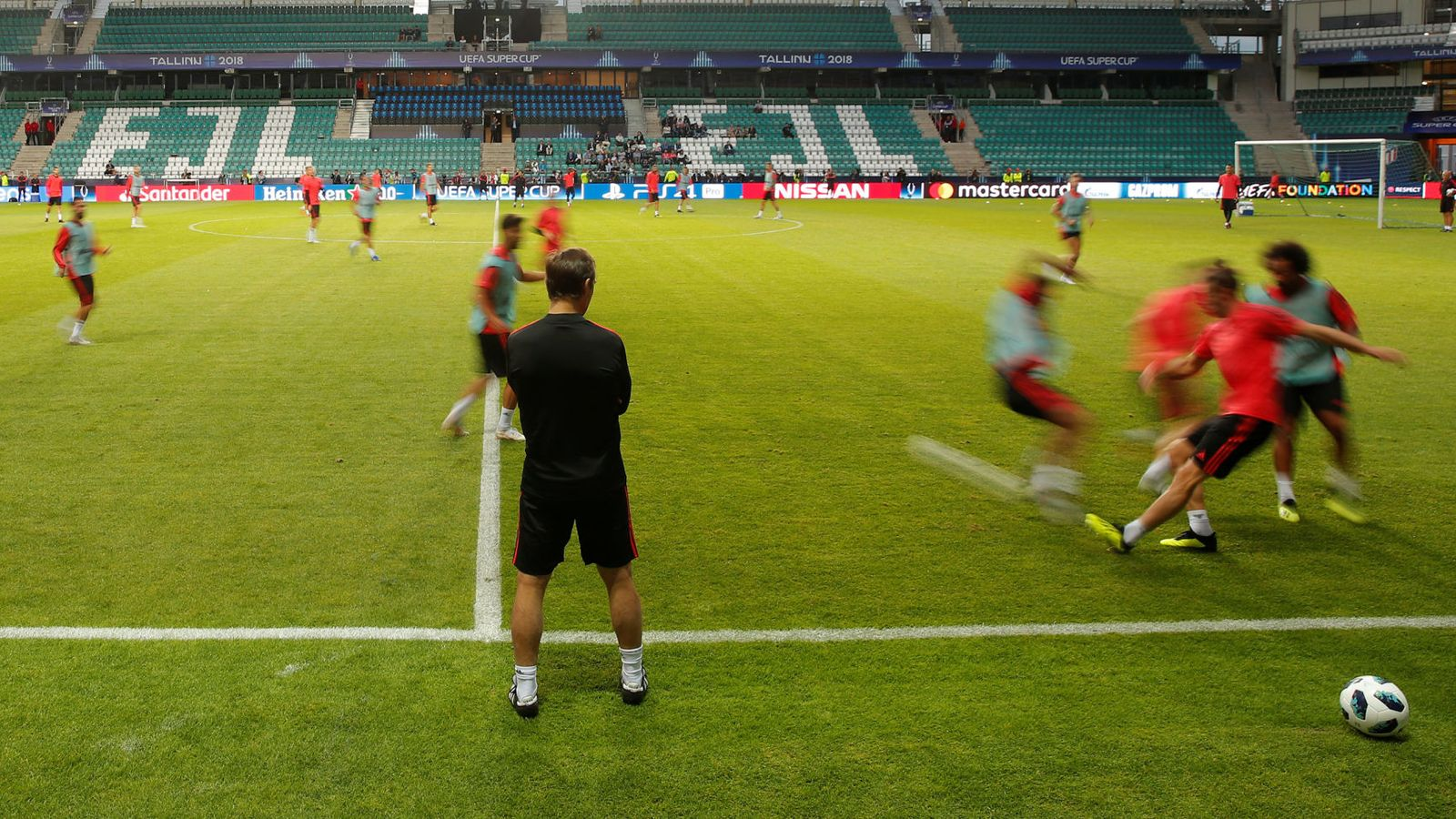 Foto: El pequeño estadio de Tallin que acogerá la Supercopa de Europa. (Reuters)