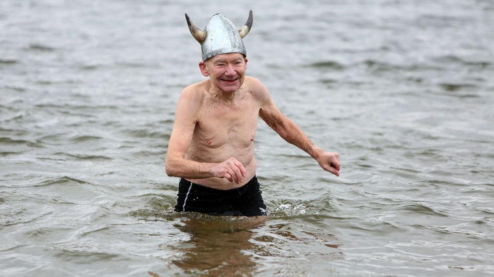 Foto: Un señor danés disfrazado de vikingo participa en el Eisfasching de Berlin (Reuters)