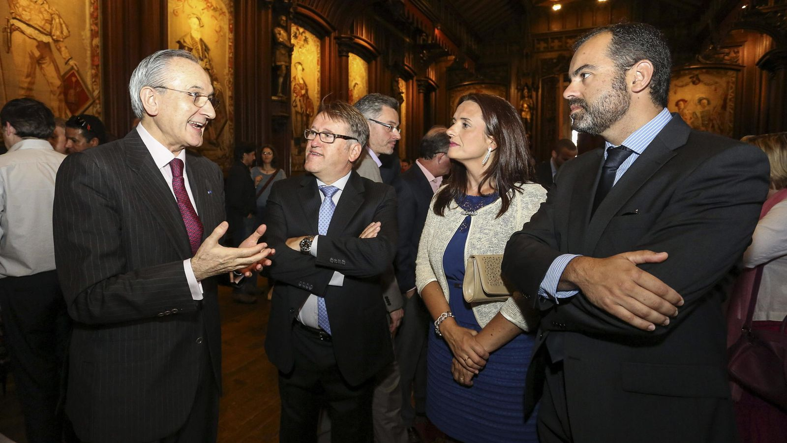 Exteriores fulmina a ignacio matellanes embajador en for Exteriores espana